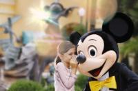 25437-18836-mickey_and_girl